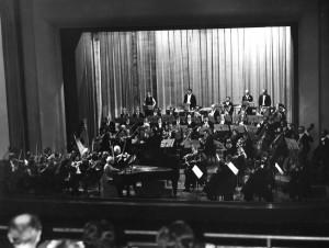 Orkiestra Symfoniczna Filharmonii Olsztyńskiej. Dyrygent: Janusz Przybylski, solista: Lidia Grychtołówna (NRD, 1977)