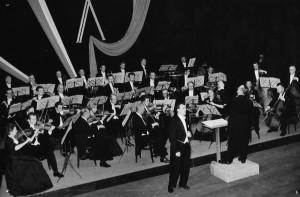 Koncert z okazji X-lecia powstania Orkiestry Symfonicznej, dyrygent: Olgierd Straszyński, solista: Józef Wojtan (1955)