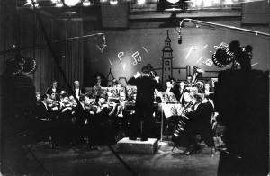 Orkiestra Symfoniczna pod dyrekcja Romana Urbanka w studio TV w Kaliningradzie (1962)